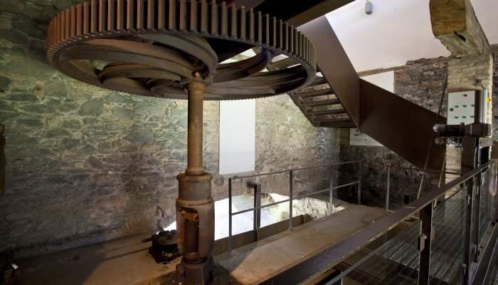 <p>Le moteur de l'usine, la turbine Fontaine, install&eacute;e en 1860 par la maison Planas.</p>