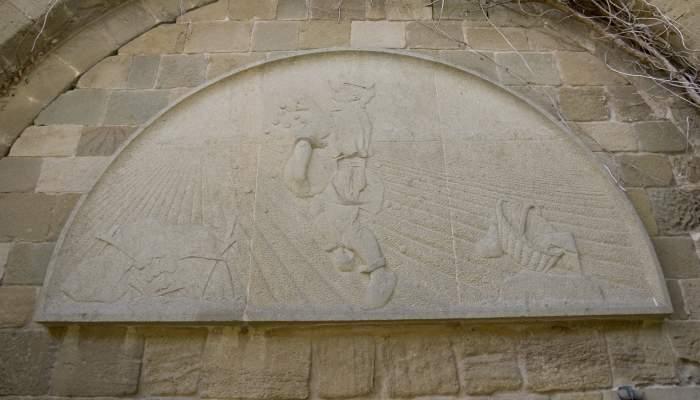 <p><em>El sembrador</em> (<em>Le semeur</em>), Manolo Hugu&eacute;, 1945, bas-relief sculpt&eacute; dans la pierre.</p>