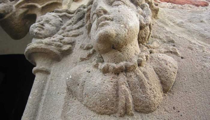<p>Ventana g&oacute;tica de la Torre del Palau (detalle), siglo xvi. Foto: Museo de Terrassa</p>