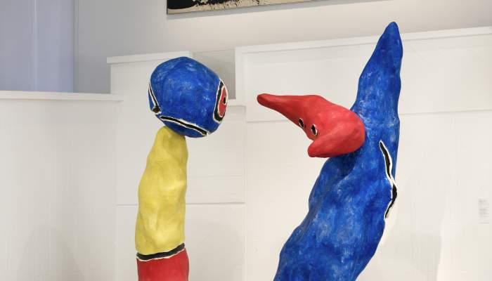 <p><em>Parella d&rsquo;enamorats dels jocs de flors d&rsquo;ametller</em>, Joan Mir&oacute;, 1975, painted synthetic resin, 273 &times; 127 &times; 140 cm / 300 &times; 160 &times; 140 cm, Joan Mir&oacute; Foundation, Barcelona</p>