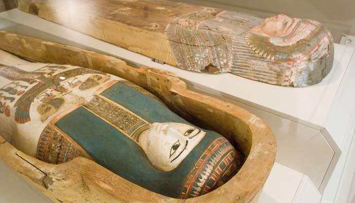 <p>M&ograve;mia i sarc&ograve;fag de la cantora d&rsquo;Amon Nadegaubastisred, 945-715 aC</p>