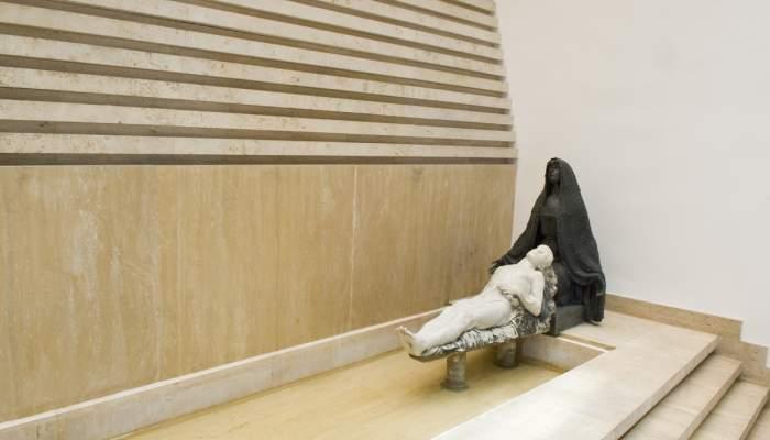 <p><em>Mausoleo Lemonier</em>, 1916-1919, &uacute;ltima obra que realiz&oacute; por encargo el escultor Julio Antonio</p>