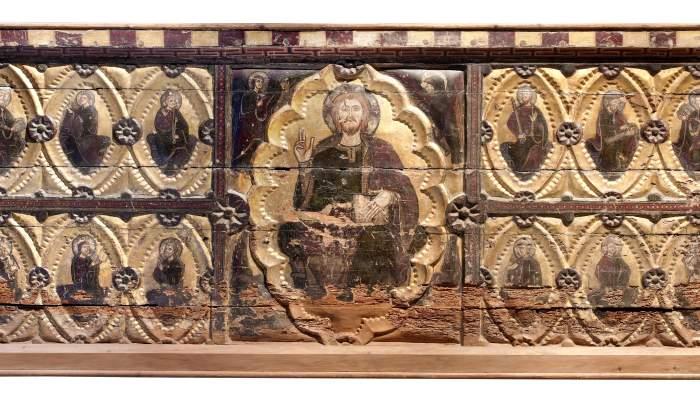 <p>Devant de l&rsquo;autel de Santa Maria la Blanca de Berbegal, repr&eacute;sentatif du style 1200 en Aragon</p>