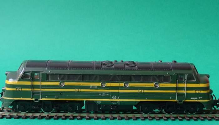 <p>Locomotora di&egrave;sel fabricada el 1965 per l&rsquo;empresa alemanya de trens en miniatura M&auml;rklin. Foto: &copy; MJC</p>