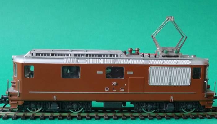 <p>La locomotora HAG ref. n&uacute;m. 181 reprodueix la Re 4/4 de la su&iuml;ssa BLS. Foto: &copy; MJC</p>