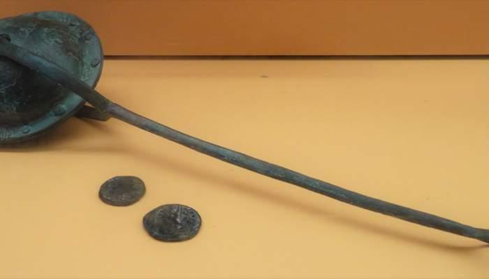 <p>Reproducci&oacute; de sonall d&rsquo;&egrave;poca romana (segle II &ndash; 1a meitat del III dC) fet de bronze i trobat a Tarragona. Foto: &copy; MJC</p>