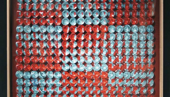 <p><em>Oposici&oacute; de nou plans A-R sobre espai 77-324 T (Opposition de nouveaux plans A-R sur espace&nbsp;77-324 T)</em>, 1971, bois, peinture et m&eacute;thacrylate m&eacute;tallis&eacute; sur bois, m&eacute;thacrylate, m&eacute;tallis&eacute;, 90 &times; 90&nbsp;cm</p> <p>&nbsp;</p>