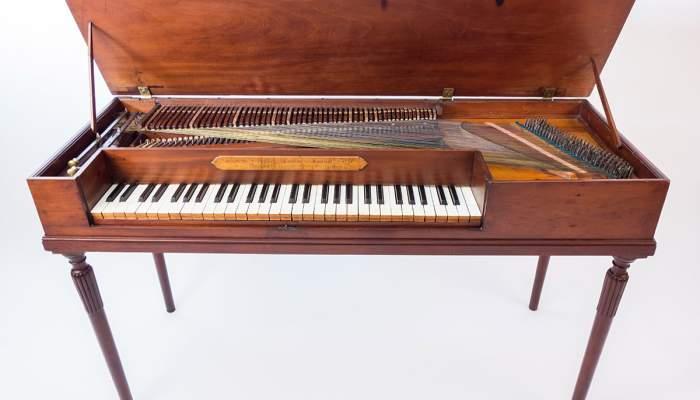 <p>Fortepiano Johannes Zumpe (Londres), 1776. CC-BY Sara Guastev&iacute;</p>