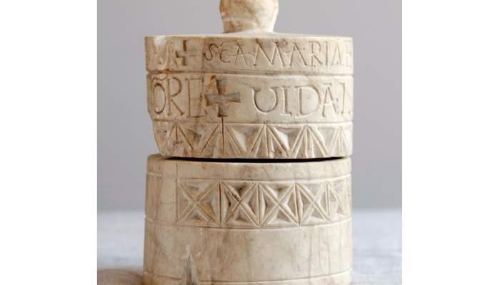<p>Lipsanoteca procedente de Santa Maria de Lillet, siglo X</p>