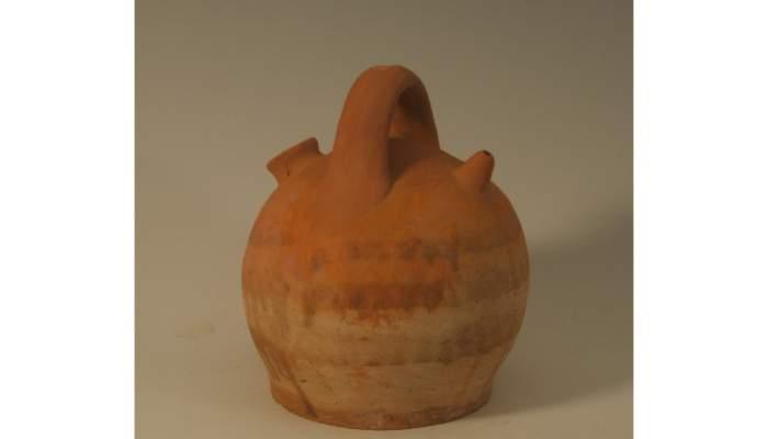 <p>Botijo com&uacute;n, segunda mitad del siglo&nbsp;XX, 23&nbsp;&times;&nbsp;20 cm, Calanda (Teruel)</p>