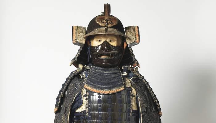<p>Armadura de samurai amb finalitats decoratives del segle XIX. Donaci&oacute; d&rsquo;Eduard Toda i G&uuml;ell, 1884.</p>