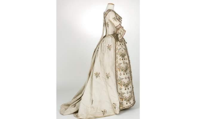 <p>Vestit en otom&agrave; de seda, c.1770/1790.</p> <p>Foto Quico/CDMT</p>
