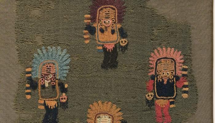 <p>Teixit brodat en pèl de camèlid.<br />Paracas, s.II aC/s.V dC. <br />Foto Quico/CDMT</p>