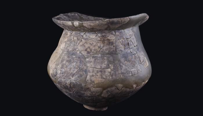 <p>Urne d'incinération,céramique faite à la main, nécropole de Pi de la Lliura (Vidreres, la Selva), Bronze final, 1100-850av. J.-C.</p>