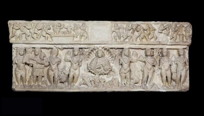 <p>Sarc&ograve;fag de les estacions, Emp&uacute;ries (Alt Empord&agrave;), &egrave;poca romana, s. IV dC.</p>