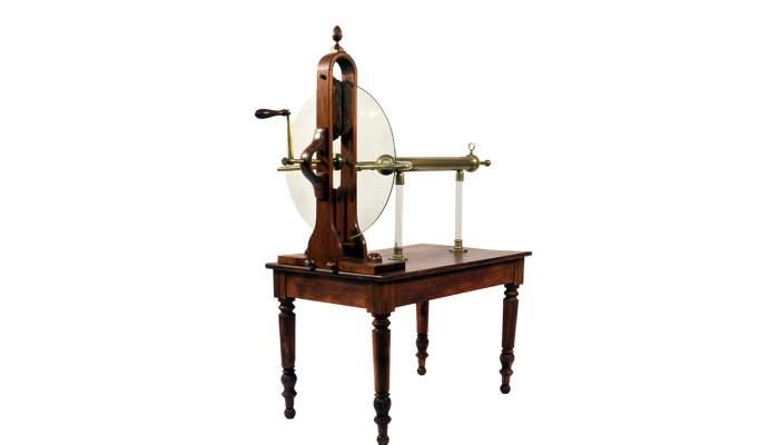 <p>Machine &agrave; &eacute;lectricit&eacute; statique de Ramsden</p>