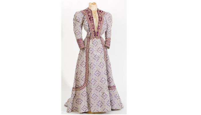 <p>Vestit en jacquard de seda, 1900-1909, n&uacute;m.reg. 11930 Foto: &copy;Quico Ortega/CDMT&nbsp;</p> <p>&nbsp;</p>