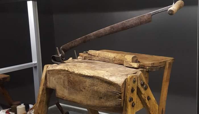 8.2. Clog maker's bench