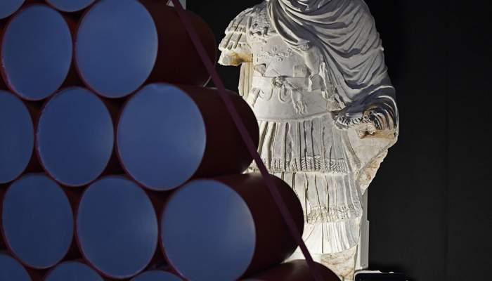 <p>Estatua acorazada que formaba parte de la decoraci&oacute;n del Teatro de T&aacute;rraco</p>