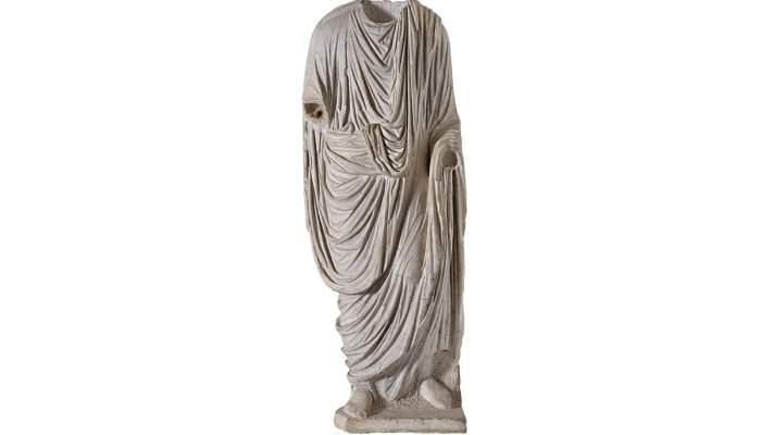 <p>Togado procedente del Teatro romano</p>