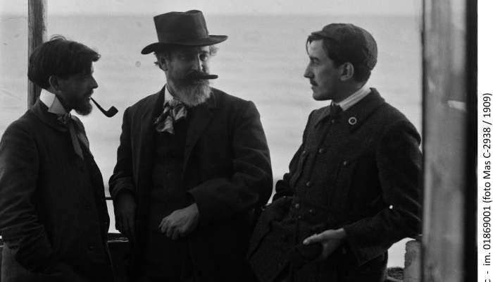 Santiago Rusiñol amb l'impressor Víctor Oliva i Ignasi Iglésias