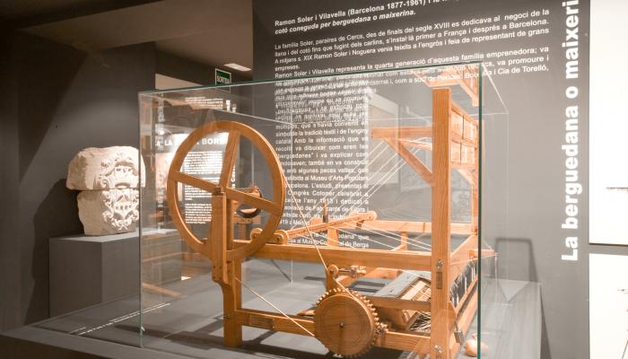 <p>Model of a <em>Maixerina</em> or <em>Berguedana</em>, registration number (406 MCB). Made of wood and iron.</p>