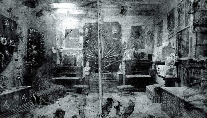 <p>Autor desconegut</p> <p>Fotografia del primer Cau Ferrat, situat al carrer Muntaner de Barcelona, cap a 1890-1892</p> <p>C&ograve;pia moderna</p> <p>Museu del Cau Ferrat, Sitges</p>