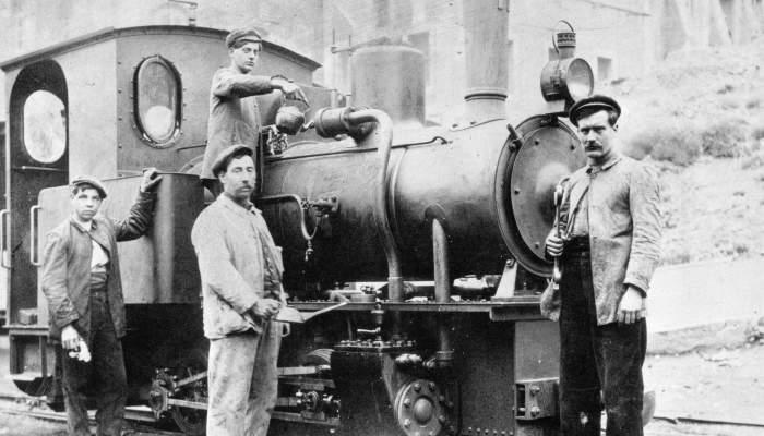 <p>Locomotive</p>